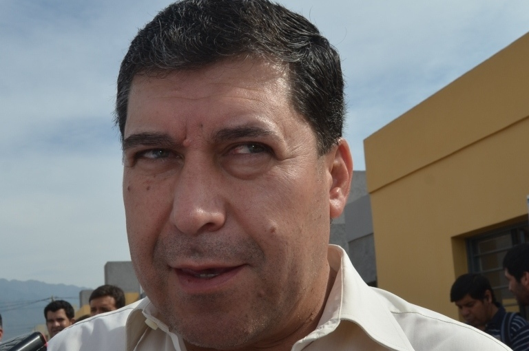 """Casas: """"El Gobernador tuvo que intervenir en la Ciudad haciendo asfalto, cordones,veredas"""""""