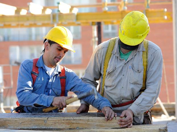 Para el Gobierno, pese a la recesión las empresas crearán másempleo