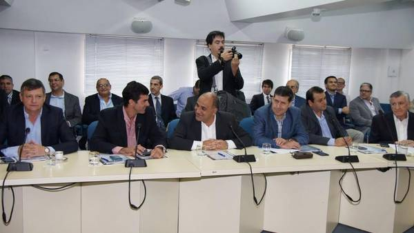 Urtubey-Manzur-CFI-gobernadores-legisladores_CLAIMA20160302_0251_28