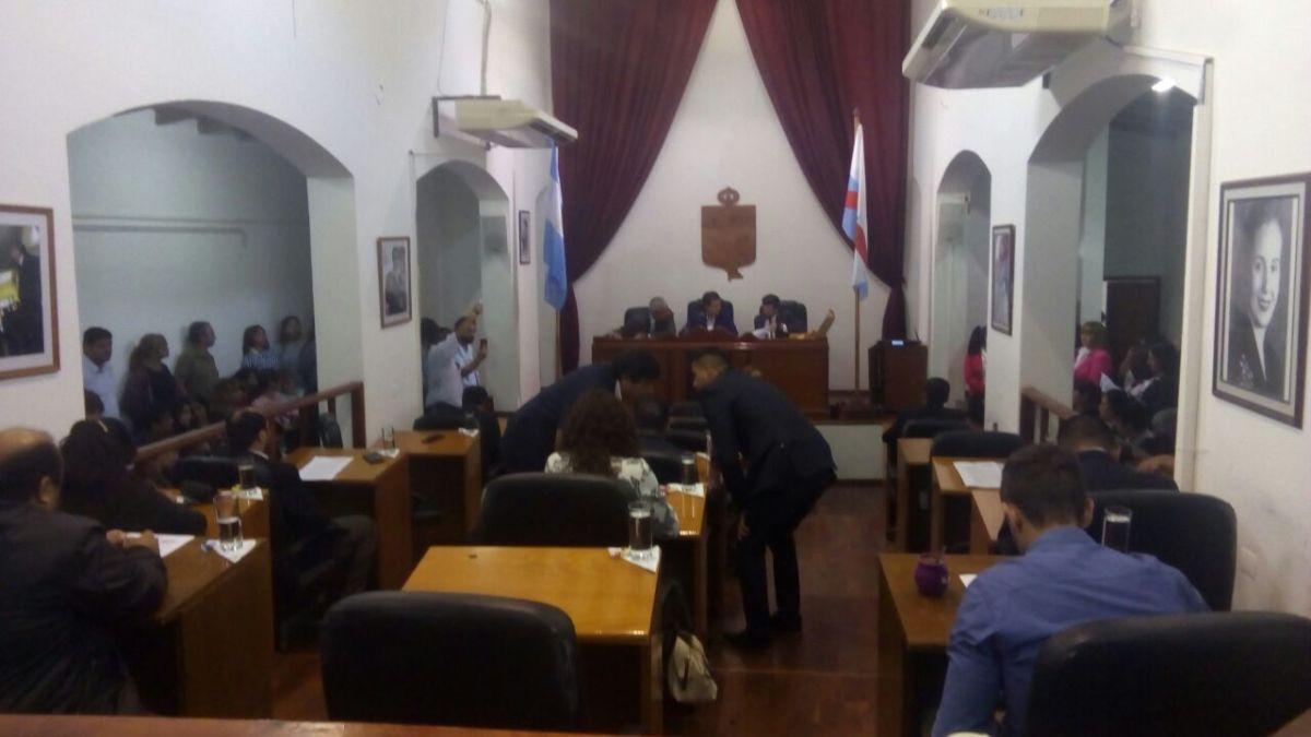 Concejales se pelean por cargos, mientras la sociedad no llega a fin de mes