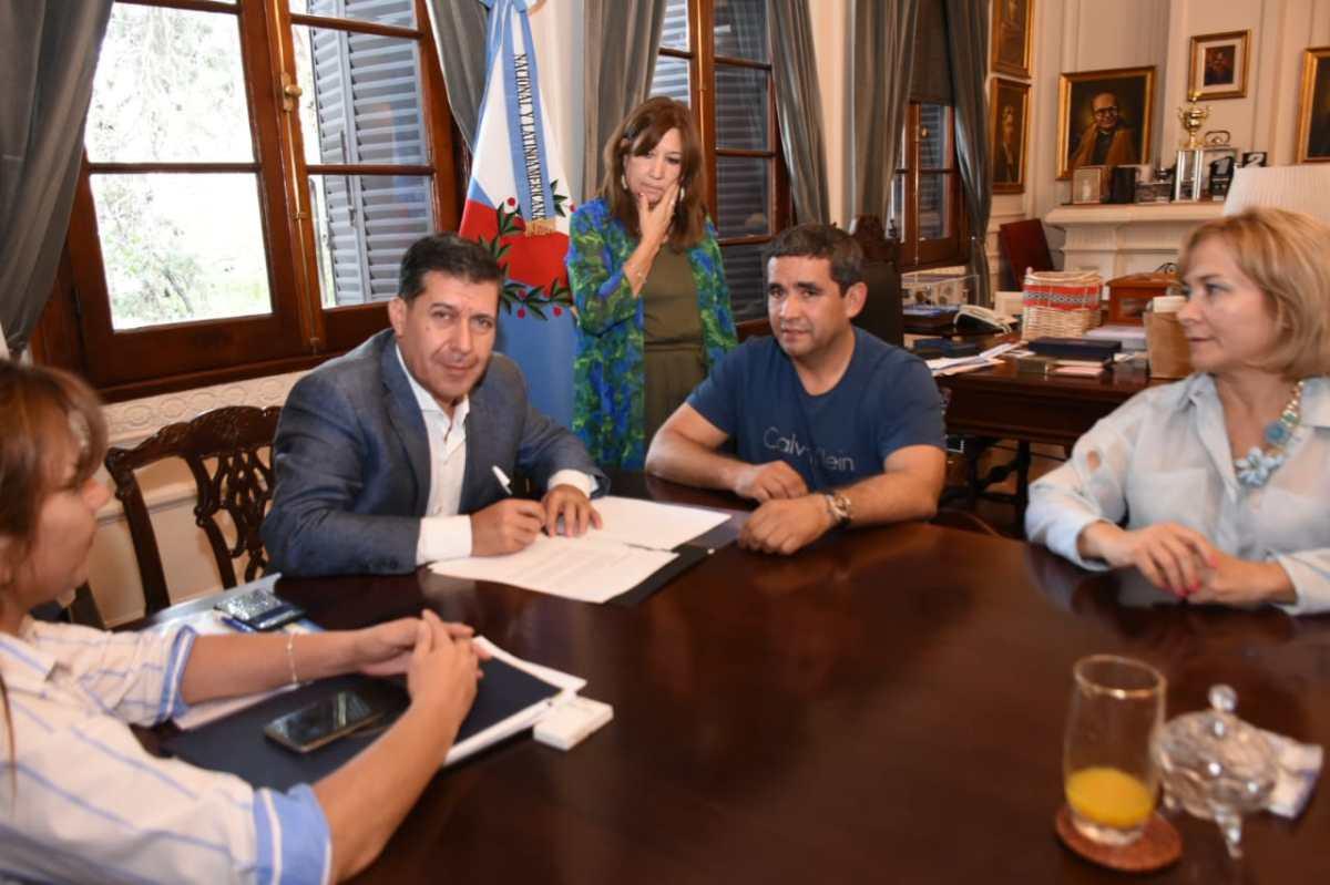 Médicos riojanos se capacitarán en España de la mano de José Poblete