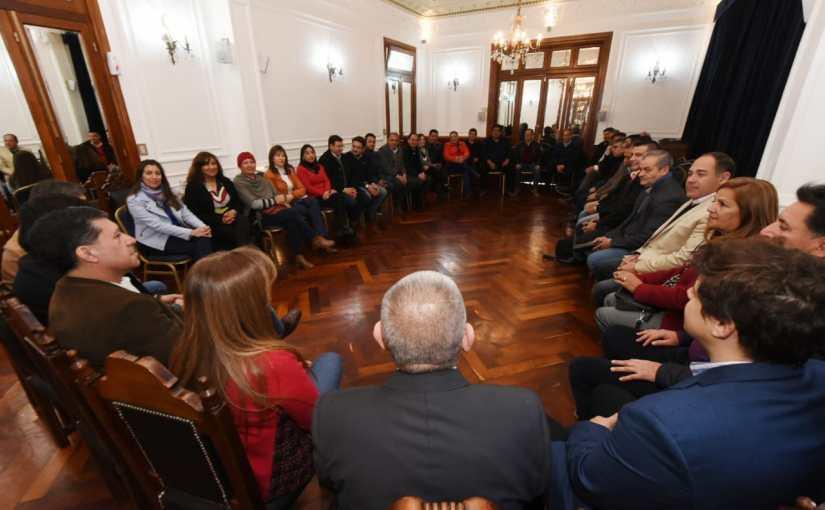 Intendentes y diputados provinciales analizan la situación preocupante crisis que afronta laNación