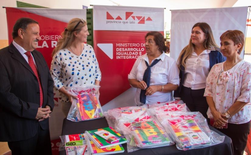 Los kits escolares de Pedrali costaron el doble que los comprados porSantander