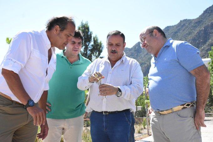El gobernador visitó un grupo inversor denunciado por el propioEstado